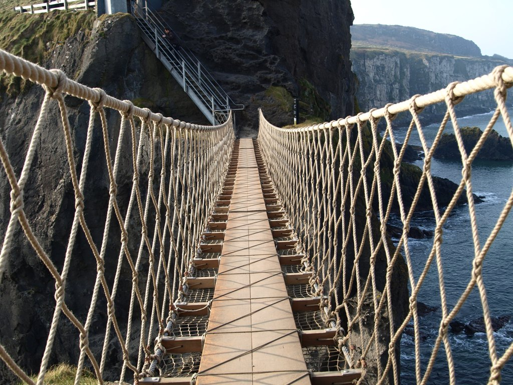 Carrick-a-rede-rope bridge northern Ireland